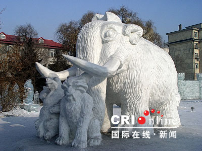 Ice and Snow Sculpture (7)