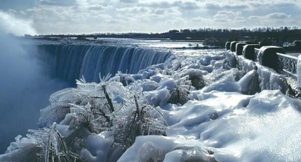 niagra-frozen-2